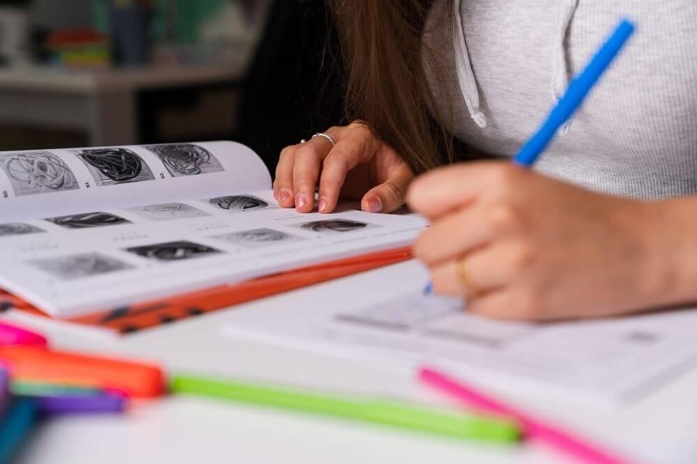 Die beste Vorbereitung hast Du mit unseren Büchern und dem E-Learning. Doch vergiss nicht einen Probetest zu machen. So erlebst Du die Testsituation hautnah.