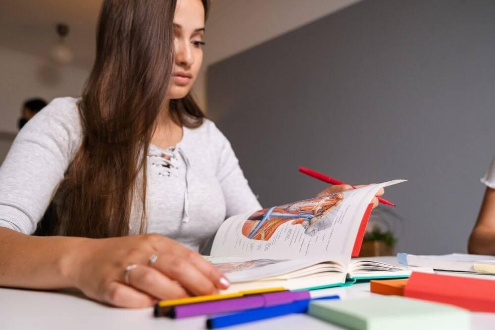 Genaues Lesen spart Zeit und Kraft.