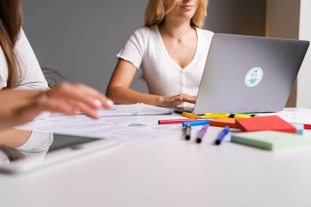Du kannst Dich schon vor Beginn des Studiums vorbereiten und den EMS schreiben.