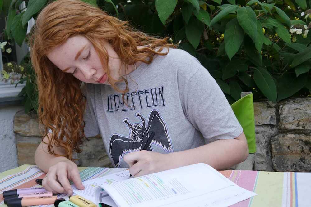 Martha in ihrer Vorbereitung auf den TMS und dem späteren schreiben eines TMS Erfahrungsberichts